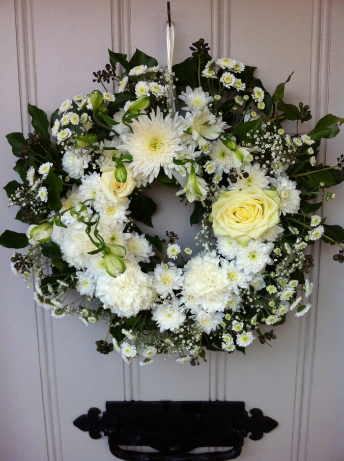 ros-emerson-wreath-east-leake-church-12-dec-2014-045-1